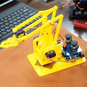 中軟 MeArm.Joystick DIY機械手臂(含Arduino主控板)